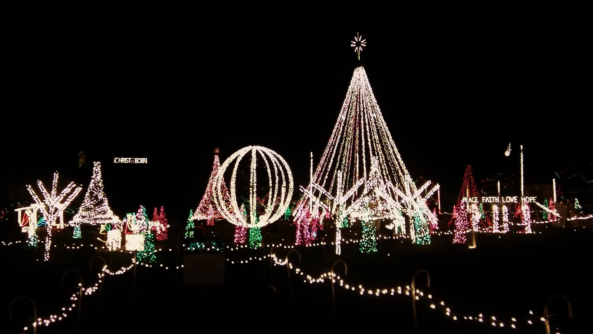 5 Best Holiday Light Displays in the Triangle