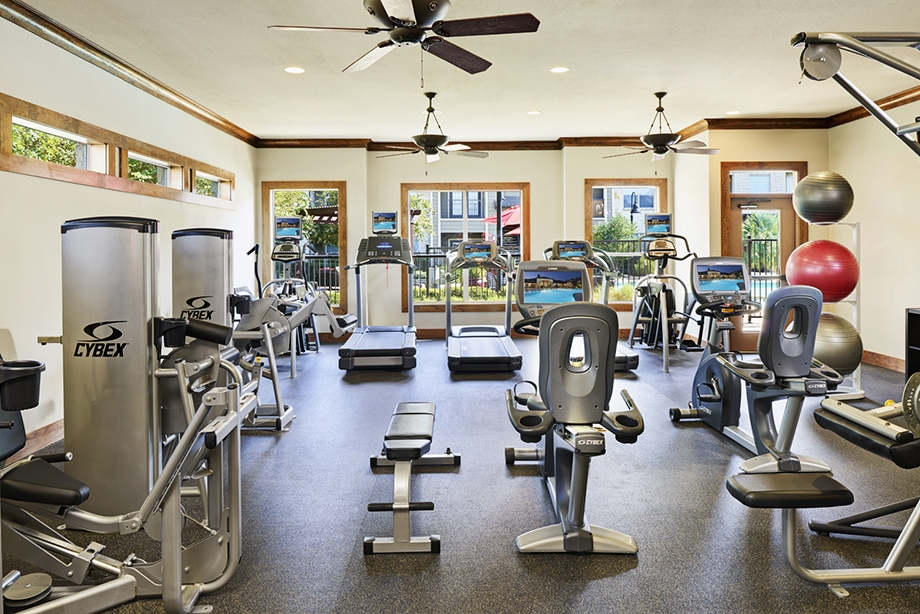 4 Ways to Keep your New Years Resolution Alive, Fitness Center,  Camden Amber Oaks