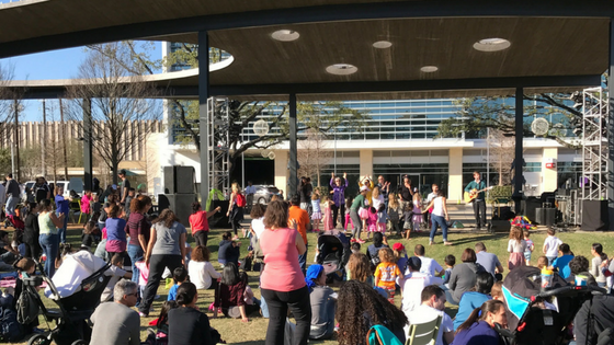 Live music in Levy Park in Houston