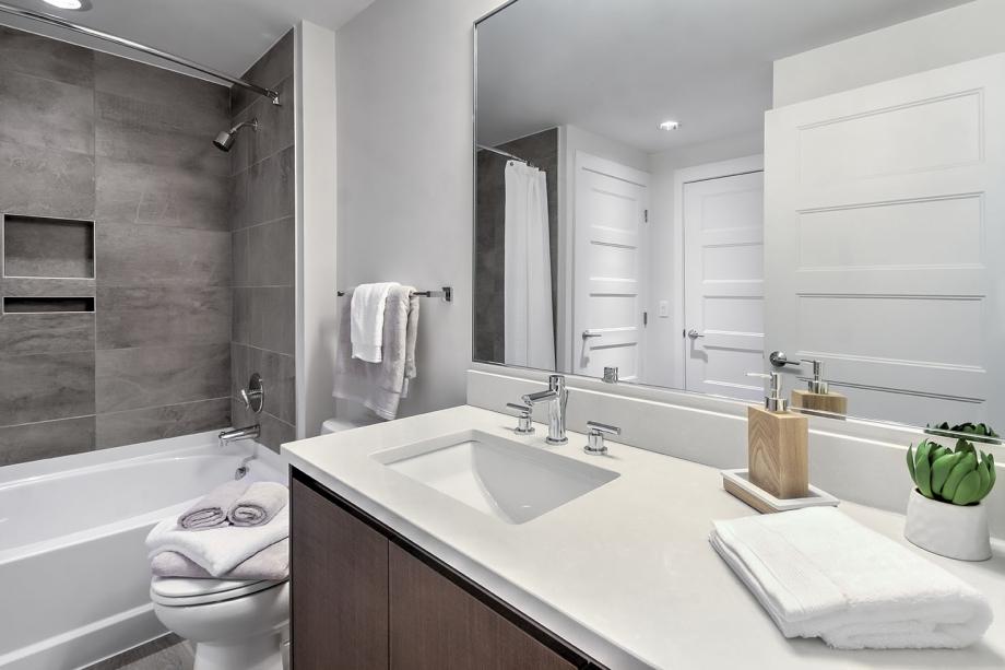 Camden NoMa II Bathrooms