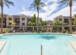 5 Reasons to Live at Camden Montierra